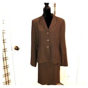 Amanda Smith   2 Piece Women's Suit
